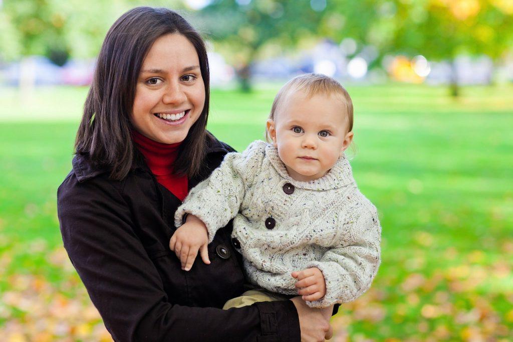 Jak może zarobić matka wychowująca dzieci? 4 propozycje