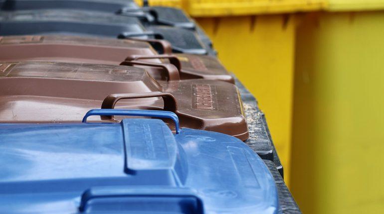 Problematyczne odpady, których nie można wyrzucić do miejskiego kontenera